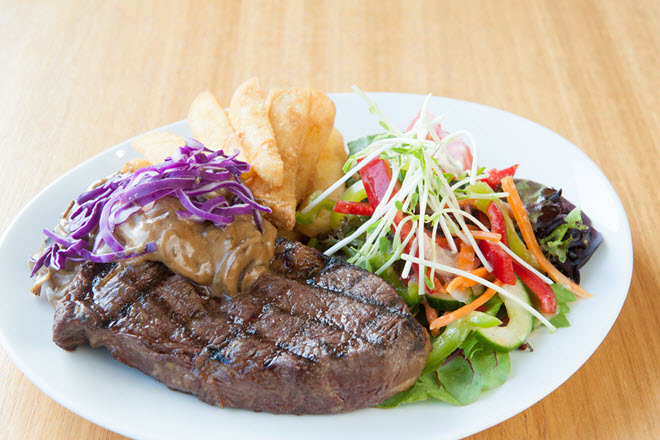 Lakes Entrance Bowls Meals Steak